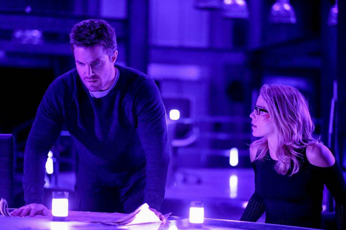 Oliver y Felcity en una escena de Arrow