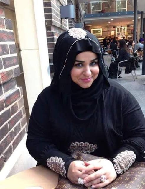 مطلقة مصرية غنية ابحث عن زواج مبنى على الاحترام و الحب