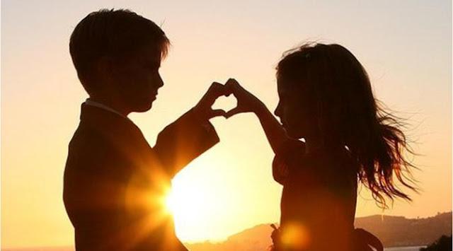 cinta pertama tak jauh
