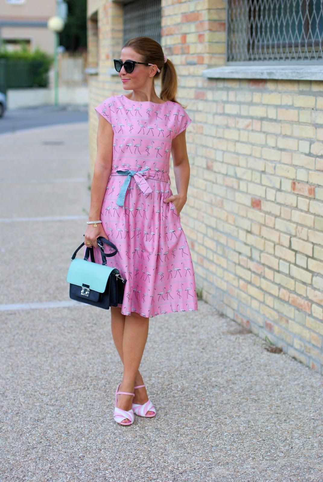 Pink walking flamingo dress on Fashion and Cookies fashion blog, fashion blogger style