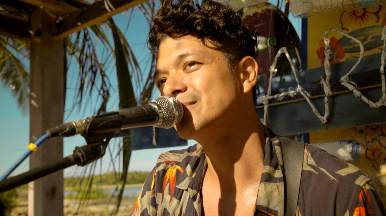 Jericho Rosales as Jigs in 'Siargao'