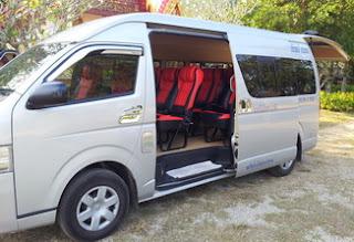 sewa mobil besar taxi innovavan commuter hiace bangkok murah