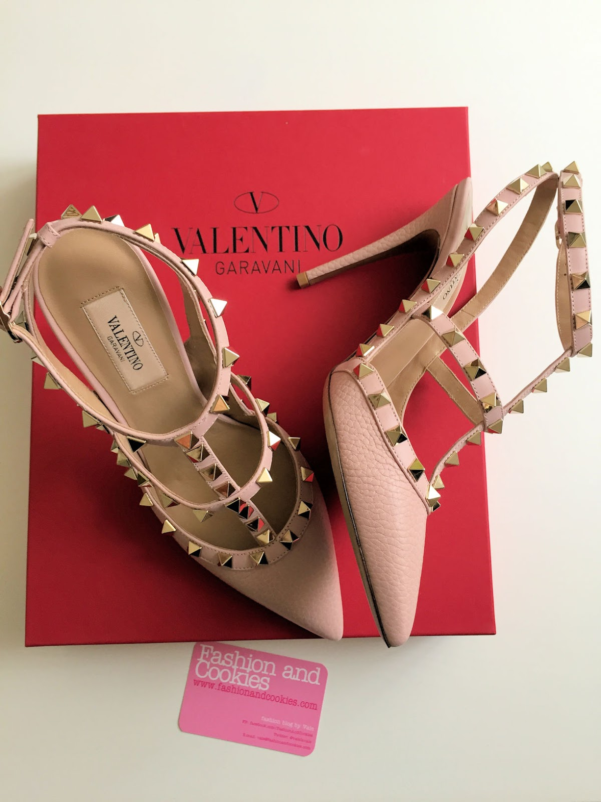 Valentino pink Rockstud heel slingbacks on Fashion and Cookies fashion blog, fashion blogger style