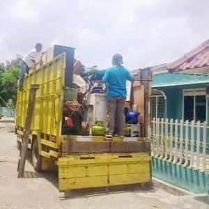 Jasa sewa mobil truk di Medan.