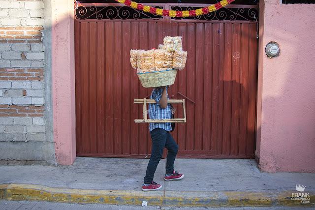 vendedor de chicharrines en Oaxaca