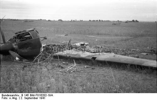 Crashed aircraft across the Dnepr River 2 September 1941 worldwartwo.filminspector.com