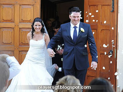 Graeme Smith and his wife Irish singer Morgan Deane in marriage ceremony.