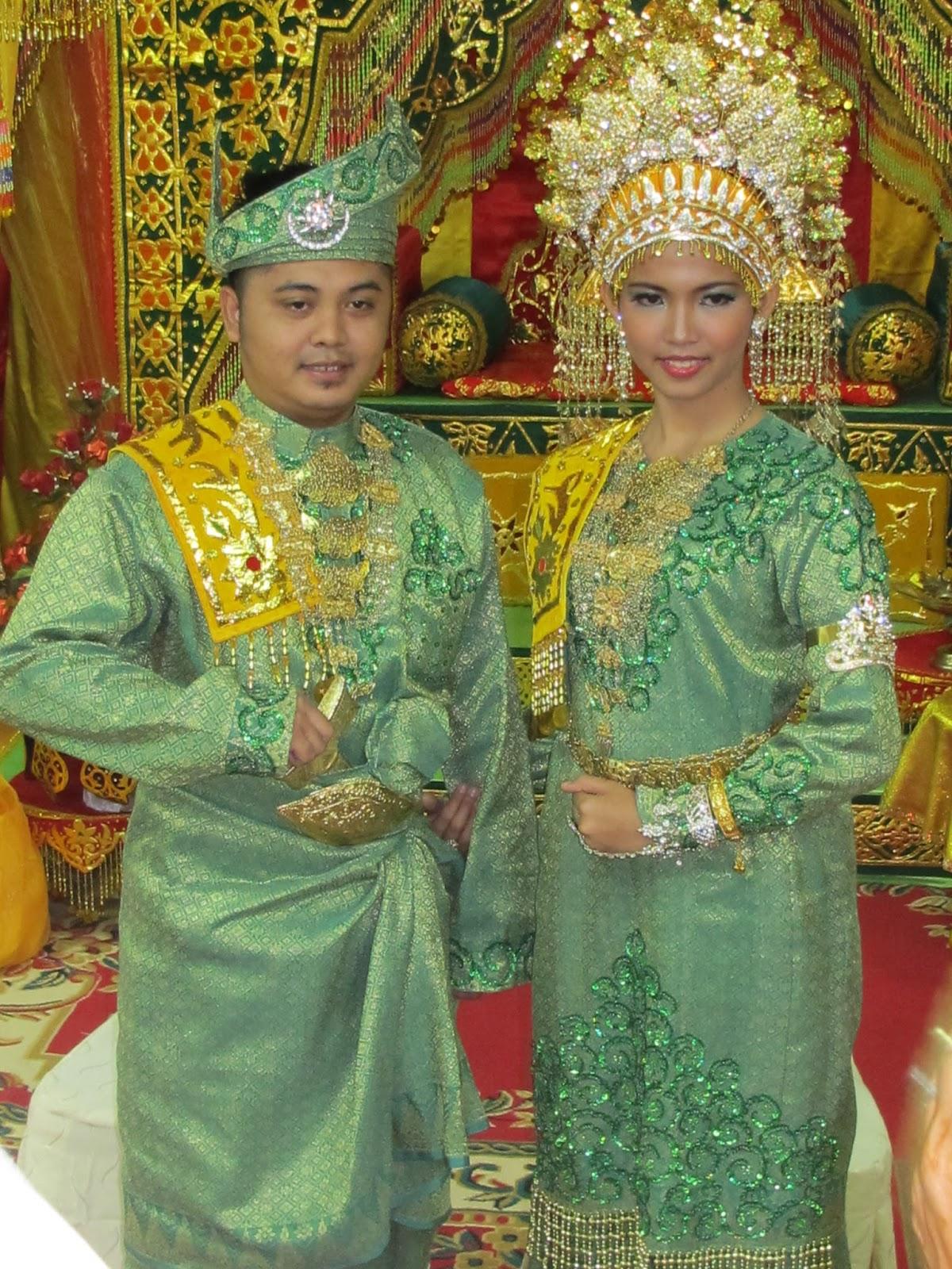 Tata Rias Pengantin Adat Melayu