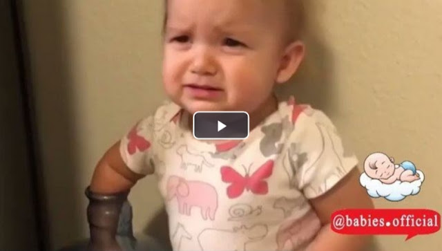 Little girl trolls her parents ❤