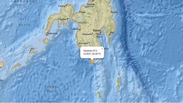 Alertan por tsunami en Filipinas tras sismo de 6.8
