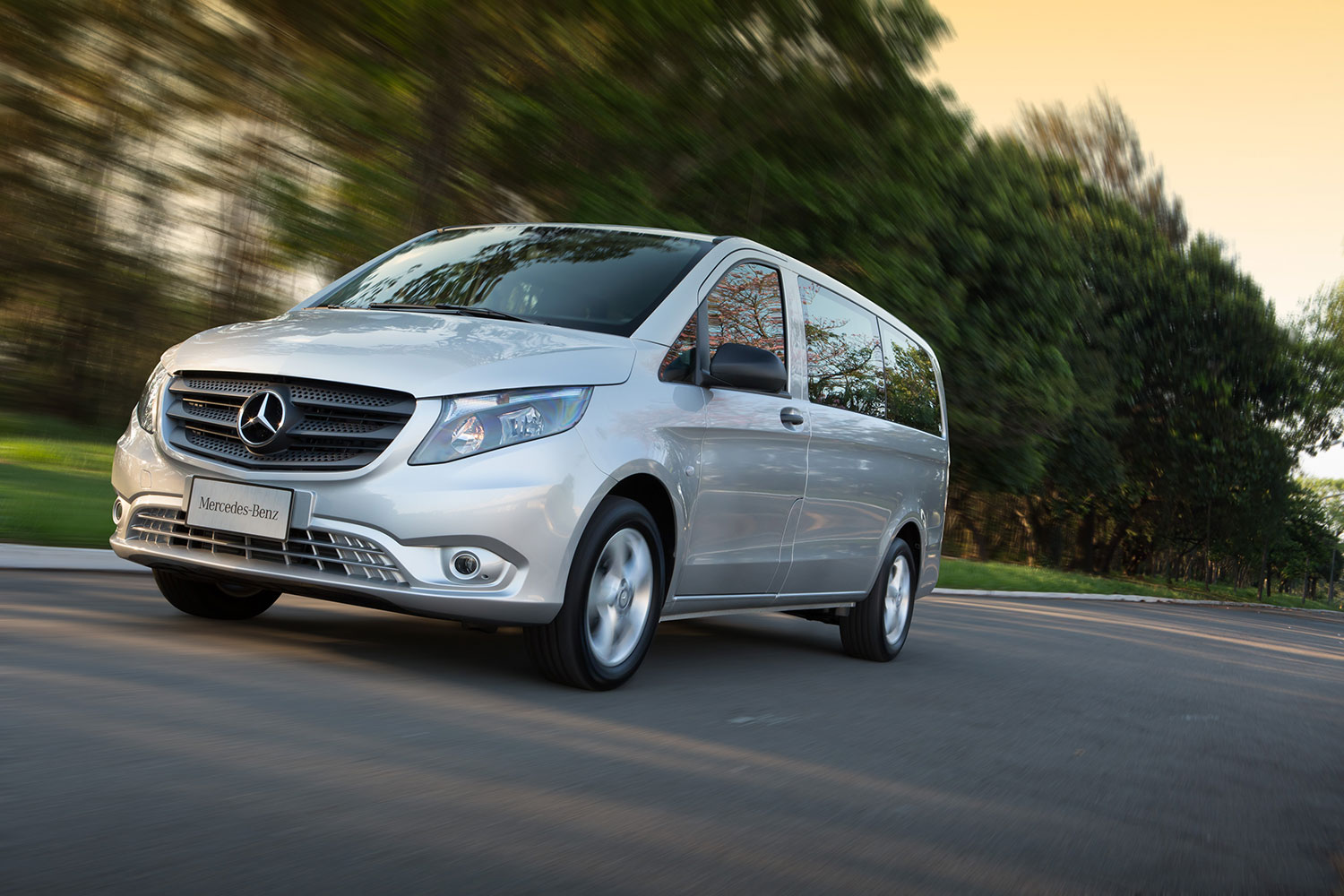 Mercedes lan a planos de manuten o para sprinter e vito for Ao service on mercedes benz