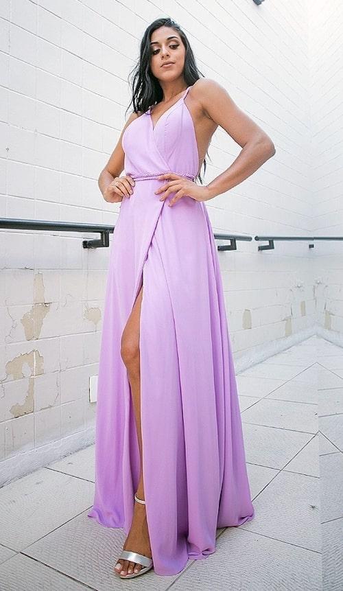vestido longo lavanda com fenda