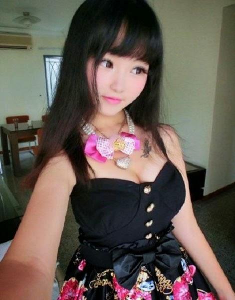 Asian Barbie Qu naked