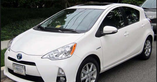 2015 toyota prius c hybrid review and specs toyota reales. Black Bedroom Furniture Sets. Home Design Ideas