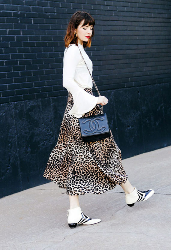 maxi skirt animal print, leopard pattern and white blouse