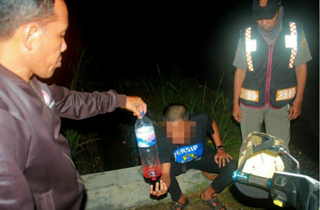 Astaga...!! Bukannya Belajar, Remaja Banjarbaru Kepergok Sedang Pesta Miras Oplosan