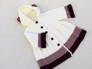 como queda la falda de abrigo de niña a ganchillo majovel crochet con lazo y orejas
