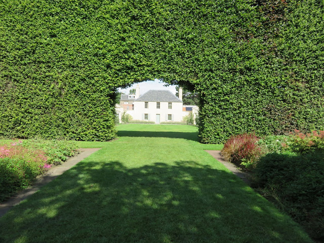 Hole in the Hedge Wall at Royal Botanic Garden Edinburgh