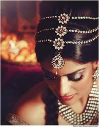 bridal hairdressing, head piece in