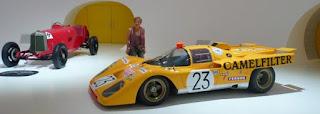 Museo Enzo Ferrari de Módena.