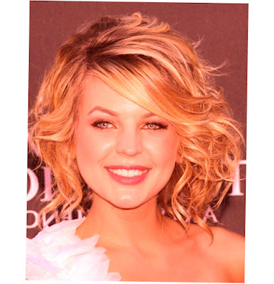 Medium Curly Hairstyles For Round Faces Image 007