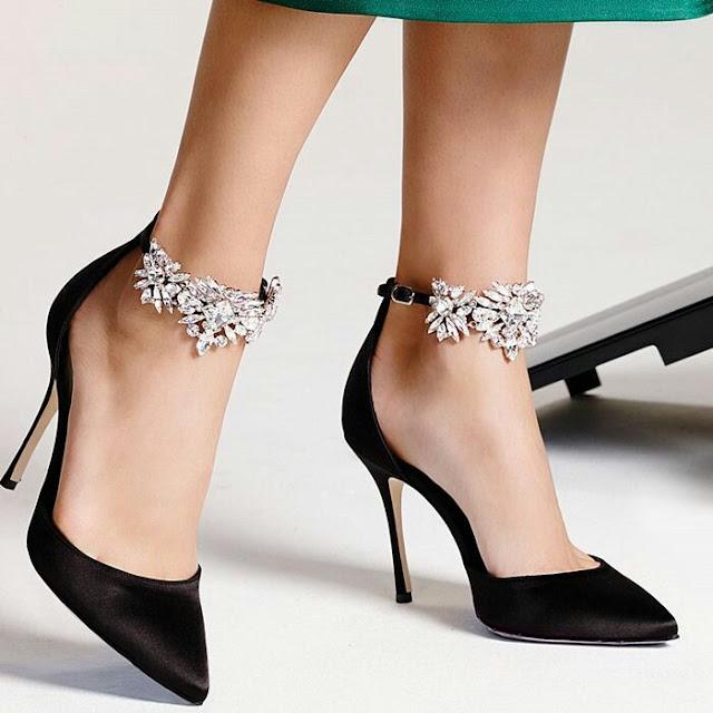 Black pump sandals