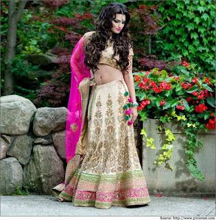 Top-blouse-designs-pattern-for-lehenga-choli-for-woman-28