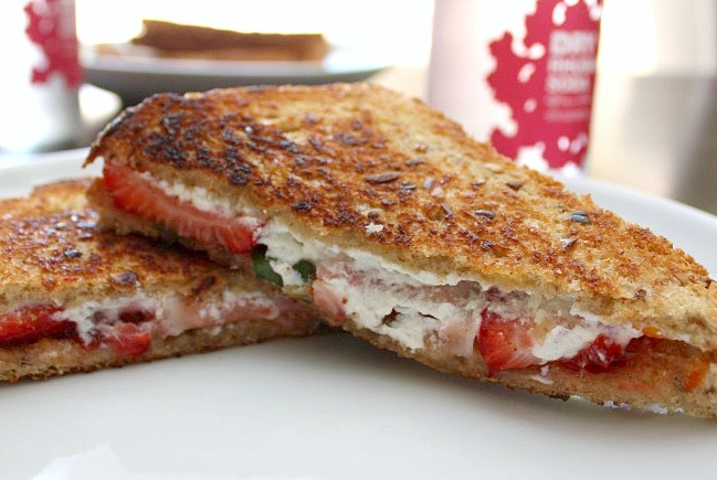 strawberry goat cheese grilled cheese