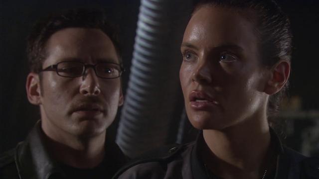 Starship Troopers 2: Hero of the Federation (2004) Dual Audio [Hindi-English] 720p BluRay ESubs Download
