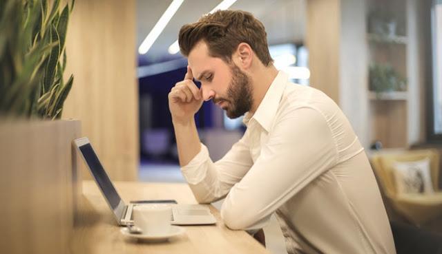 8 Efek Buruk Ini Akan Menimpamu Jika Sering Lembur Kerja