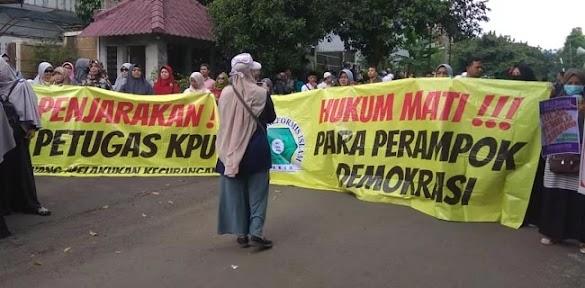 Demo Relawan Prabowo-Sandi, KPU Kota Bogor Janji Hitung Suara Jujur Dan Terbuka