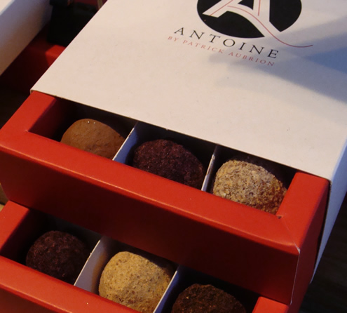Chocolade truffels in Leuven, Antoine | Happy in Red