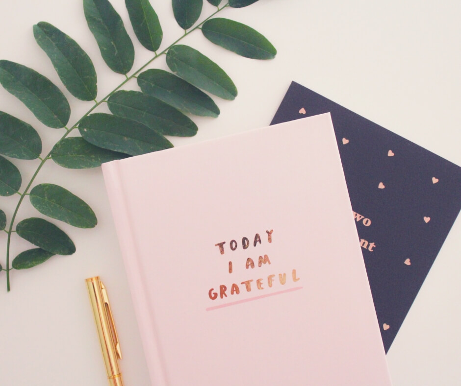 Why Journaling Is Good For Self Care | Start a gratitude journal and be thankful for the little things.