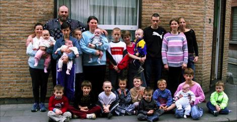 Un record pour Serge à Marcinelle: avec 31 enfants, sa famille touche... 7500 euros d'allocations familiales-