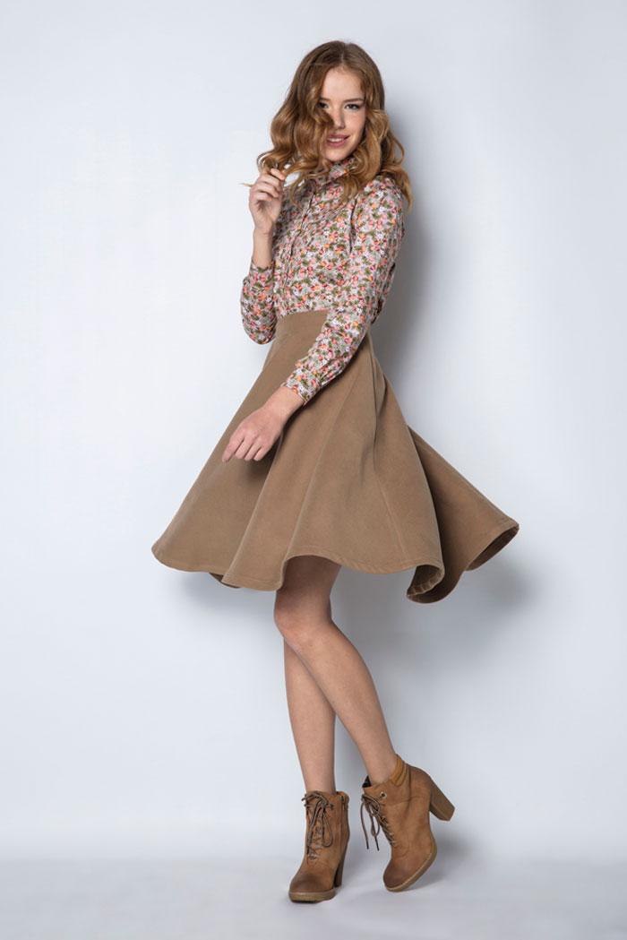 Camisa recta, corte clásico y estampado frutal Falda capa