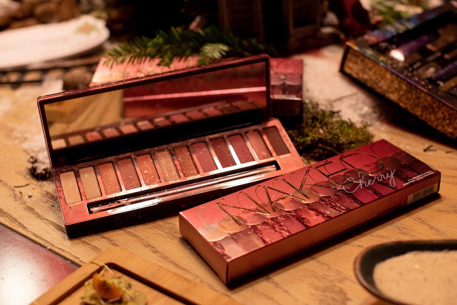10-regalos-beauty-para-esta-navidad-naked-cherry-palette-urban-decay