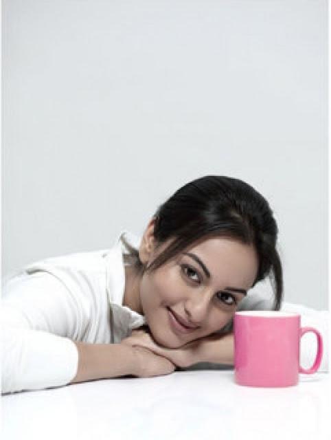 Checkout Sonakshi Sinha Photo