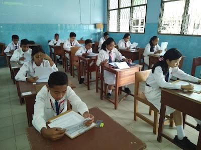 Materi, Contoh Soal, dan Pembahasan Menentukan Makna Kata/Kalimat dalam Teks UN/UNBK SMP/MTs 2018