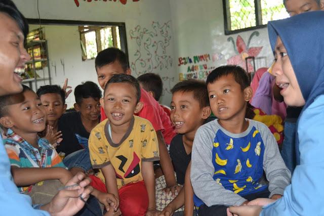 Mahasiswa STMIK Nusa Mandiri  Gelar Bakti Sosial Di Rumah Pelangi Bekasi