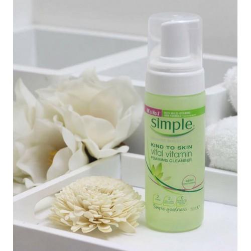 3. Sữa rửa mặt Simple Skin To Skin Vital Vitamin Foaming Cleanser