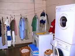 Laundry adalah salah satu contoh perusahaan jasa