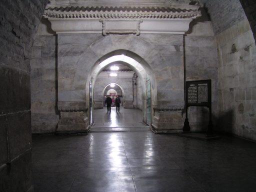 Interior de la tumba Dingling, una de las tumbas de la Dinastía Ming, toda una colección de mausoleos construidos por los emperadores chinos de la Dinastía Ming. (Imagen meramente ilustrativa)