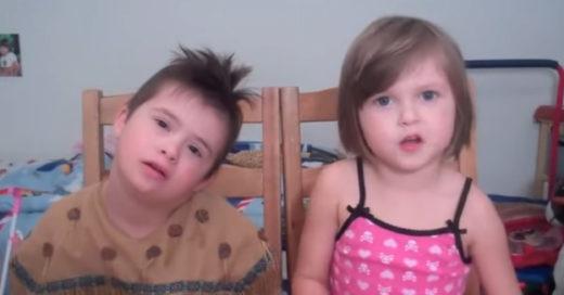 Niña de 5 años platica sobre su hermano con Síndrome de Down