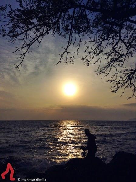 Hunting-Sunrise-Pantai-Deumit