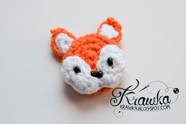 Krawka: Crochet button / pin / broosh: Orange fox