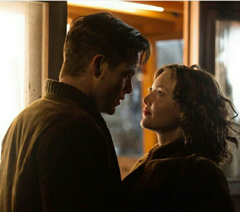 Woman looking deeply into man's eyes in the Finest Hours movie