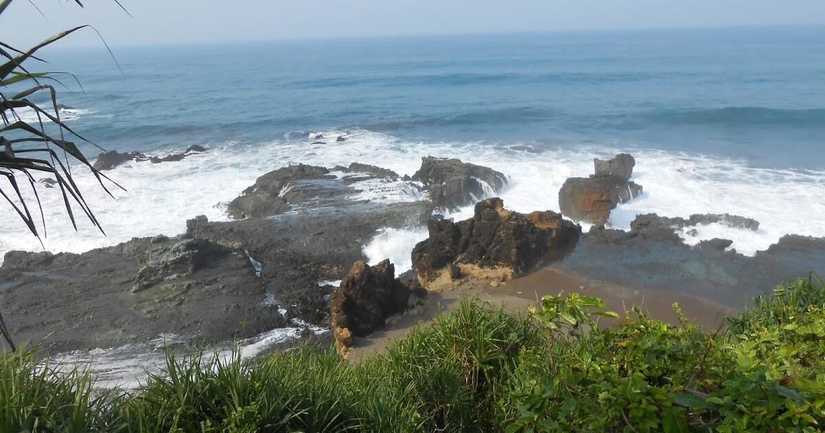 Pantai Keusik Luhur, Objek Wisata Unik yang Eksotik