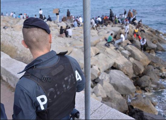 28/3/17 : Un syndicat de police contre l'arrêté du maire de Ventimiglia ! dans Droits de l'homme - Société Schermata%2B2017-03-28%2Balle%2B11.11.03
