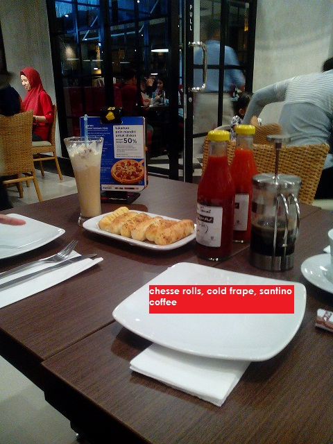 chesse roll pizza hut palangkaraya