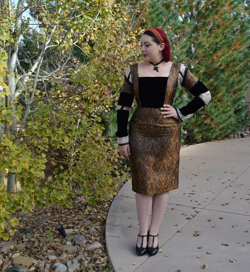 http://theclosethistorian.blogspot.com.au/2014/10/black-and-gold-italienne-dress.html